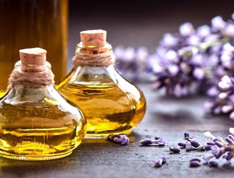 Operatore in Aromatecnica: studio approfondito sull'utilizzo degli Oli Essenziali (Online e in Aula)
